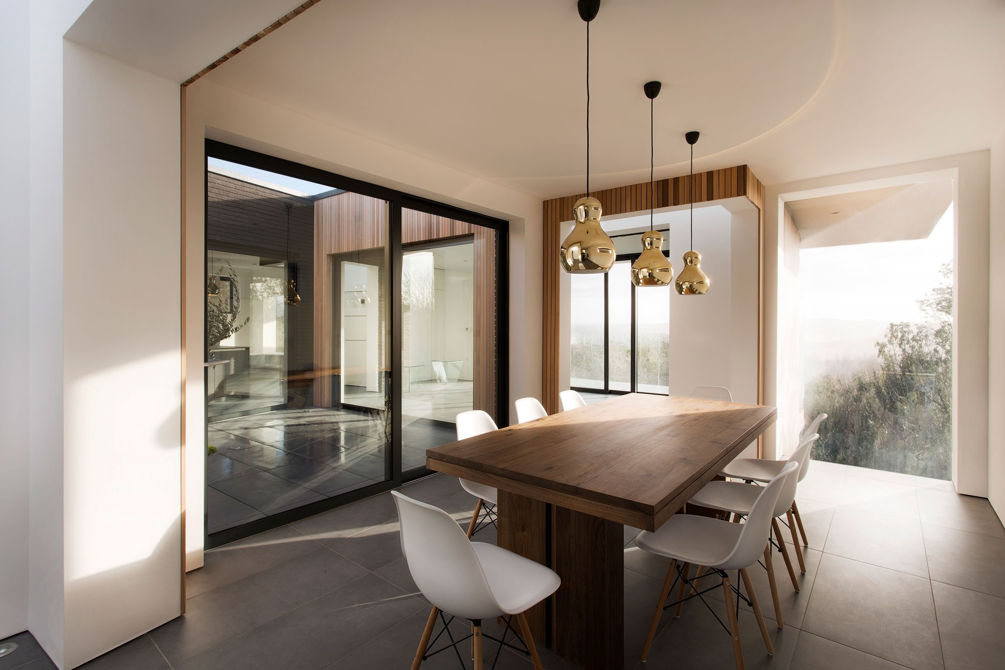 Are You Making These Dining Room Lighting Mistakes 4