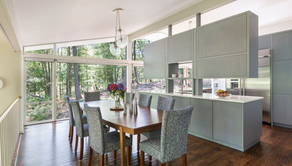 Renovasi dapur midcentury modern di Tabor Hill by Flavin Architects Sumber natrea