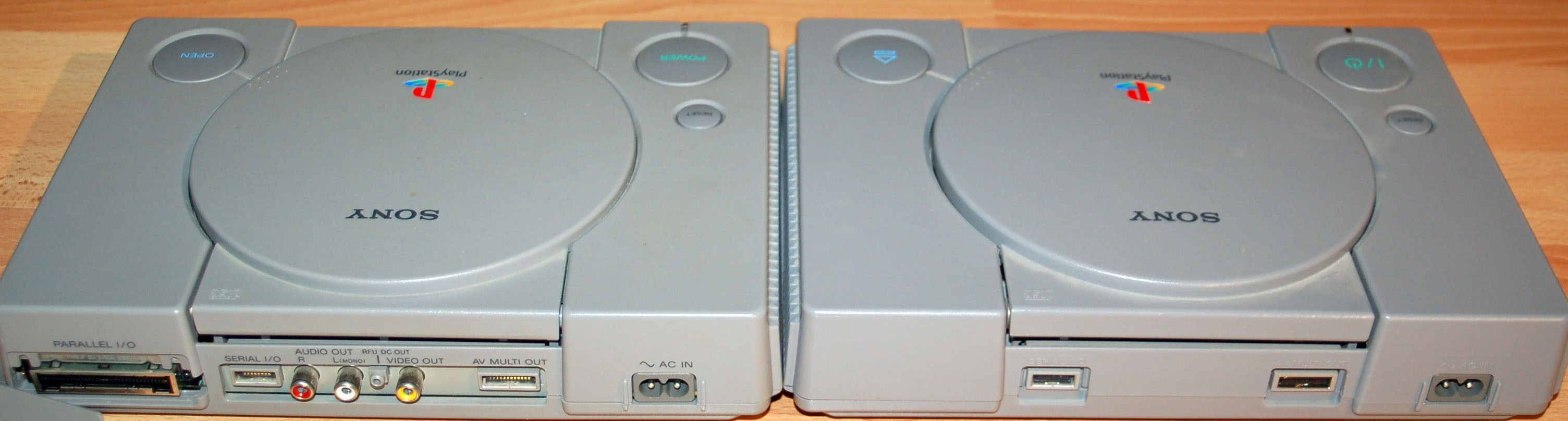 Playstation parison SCPH 1002 and SCPH 9002
