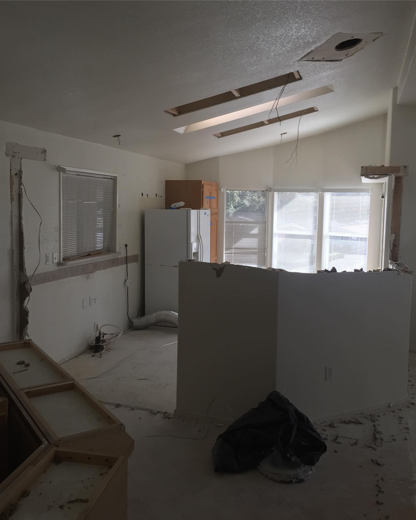 Kitchen remodel plete ⇢ Swipe for the before pictures