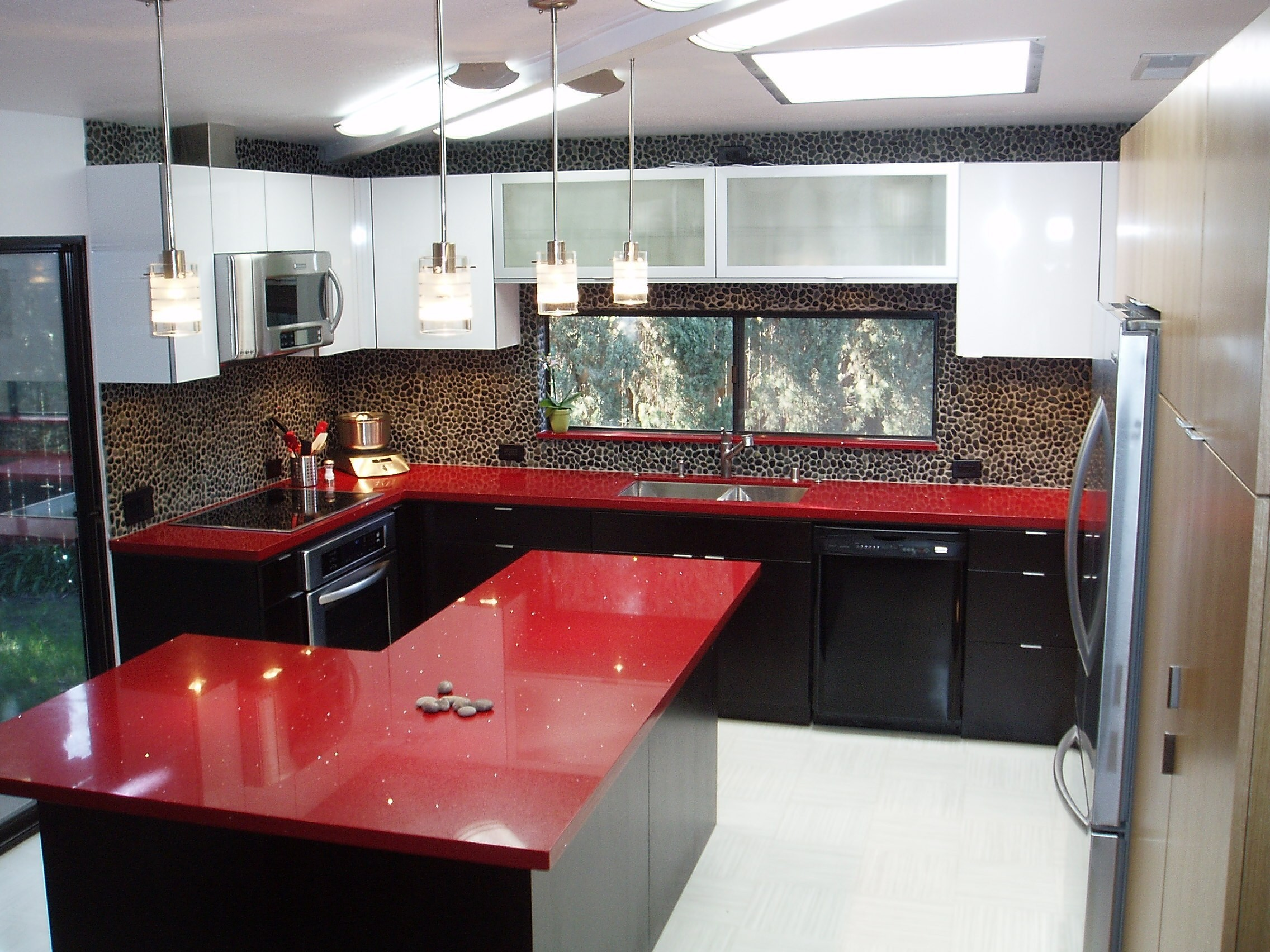 Desain Kitchen Set Merah Hitam Terbaik Untuk Red Kitchen Appliances Brilliant How About This Red Countertops
