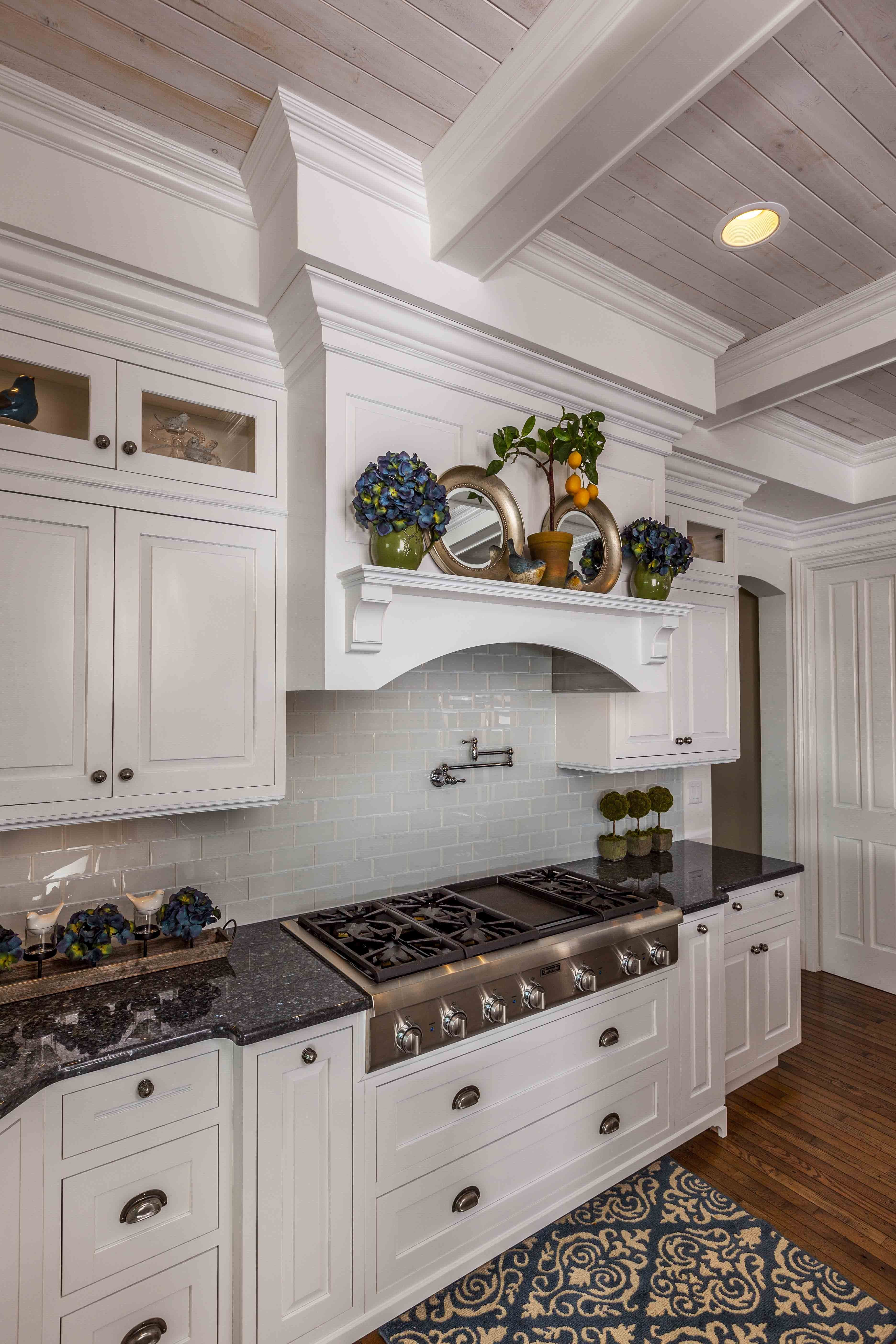 Desain Kitchen Set Klasik Terbaik Untuk Country Classic Door Style Finished In Designer White Paint Of Desain Kitchen Set Klasik Paling Indah Untuk Hotel In Liverpool Mercure Liverpool atlantic tower Hotel