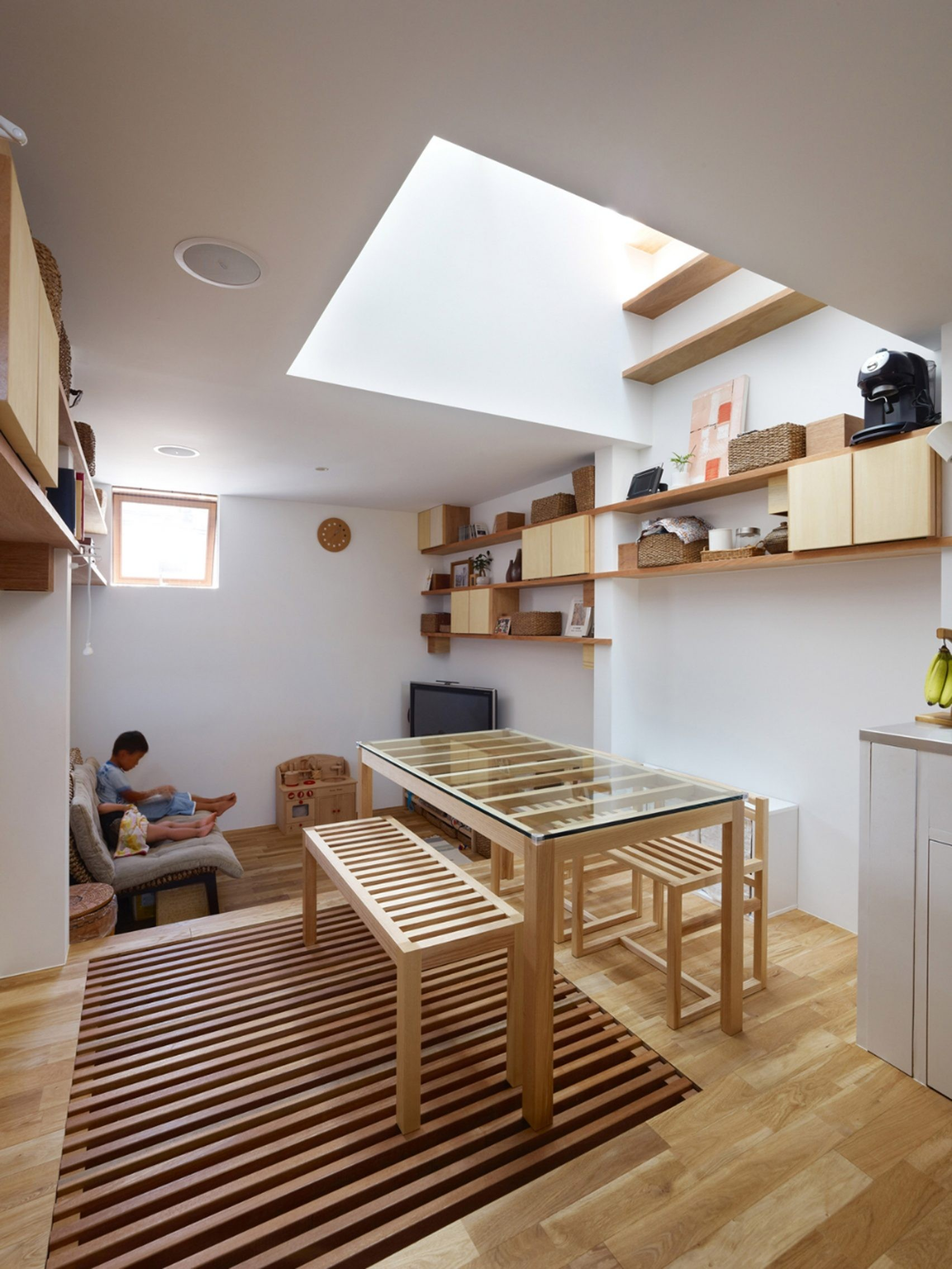 tiny house kobe fujiwaramuro architects japan dezeen 2364 col 0 1704x2271